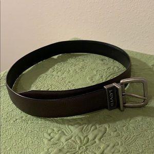 """Levi's Boy's Dark Brown Belt 26-28"""" EUC"""